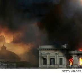 CAIRO BURNS: The August 19 fire that ravaged the upper house of Egypt?s parliament underscored for many Egyptians the ineptitude and corruption of their government.
