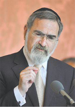Life and Death : Chief Rabbi of England Jonathan Sacks ruled that brain stem death does not permit heart and lung donations.