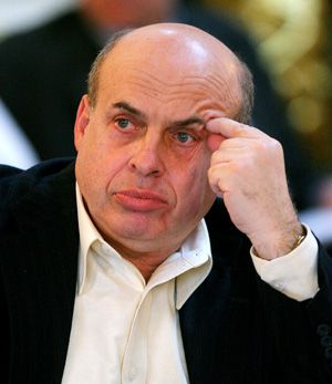 Chairman: Natan Sharansky confronts opposition to talks.