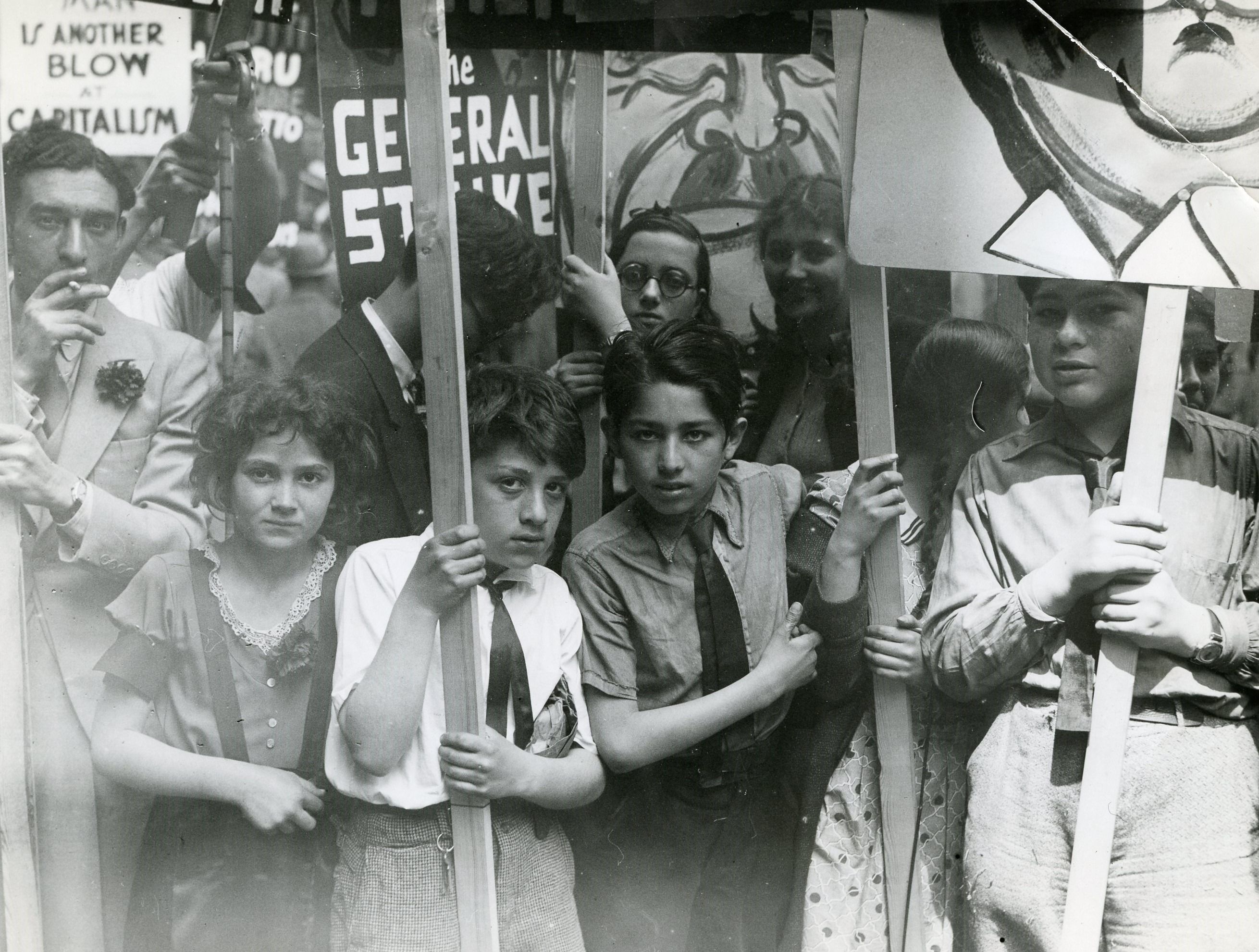 Attracting New York's labor movement, the May Day anti-Fascism march in 1934 started out at Madison Square Park and was attended by 300,000 people.