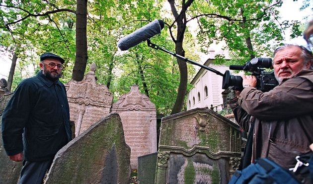 Behind the Scenes: On the set of Mark Podwal?s documentary ?House of Life: The Old Jewish Cemetery in Prague,? scheduled to air on PBS in April.