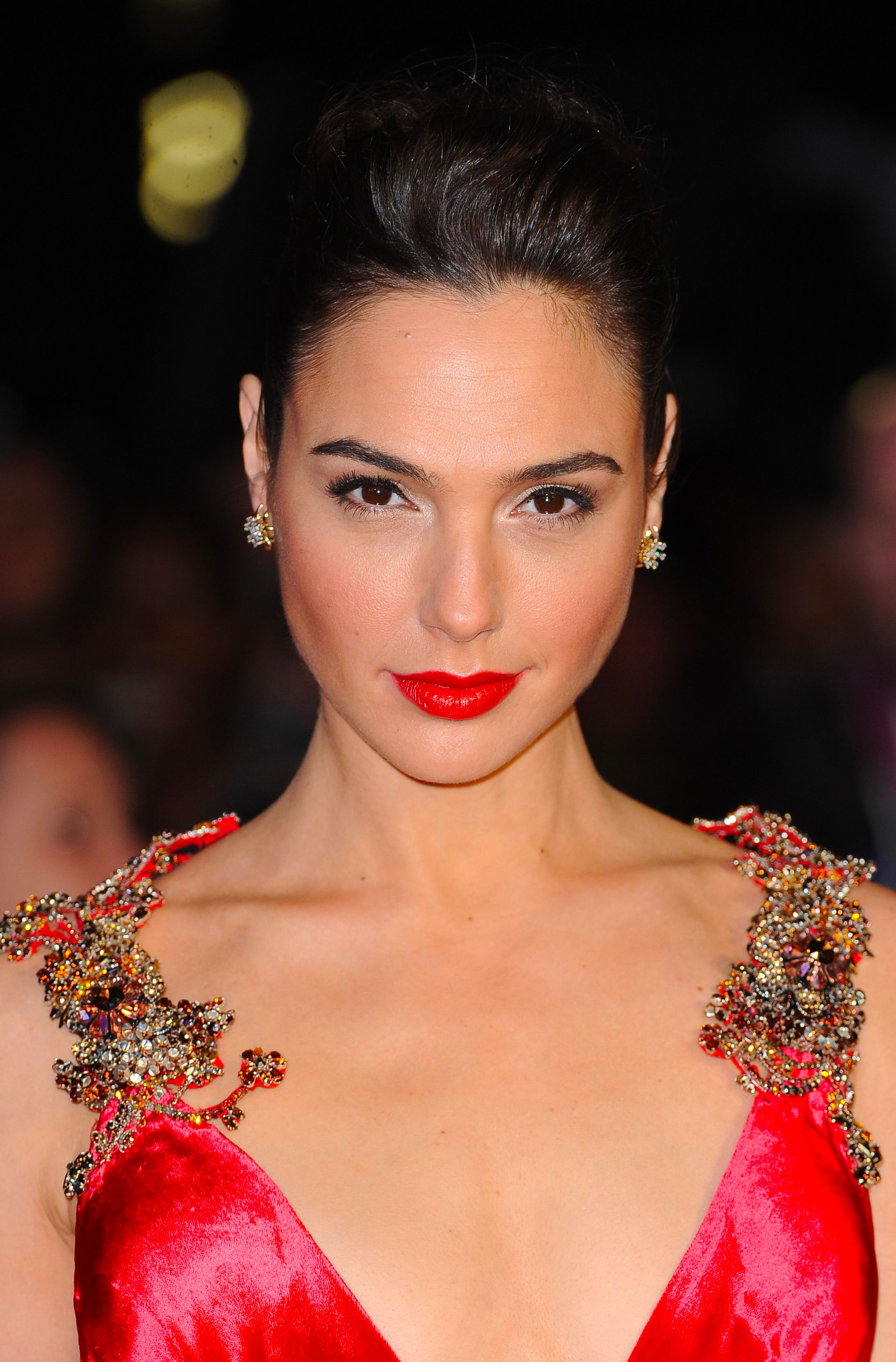 "Gal Gadot arrives for the European premiere of ""Batman V Superman: Dawn Of Justice"" at Odeon Leicester Square on March 22, 2016 in London, England"