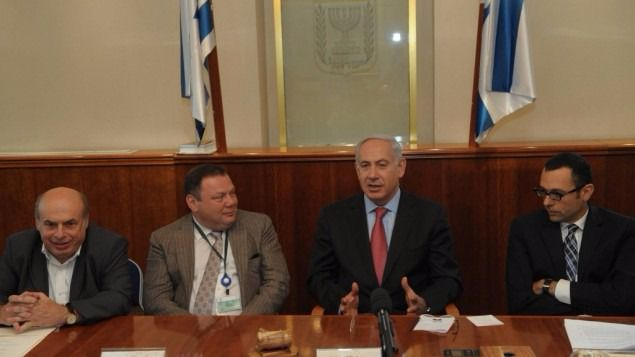 From left to right: Nathan Sharansky, Mikhail Fridman, Benjamin Netanyahu, and Israel Housing Minister Gideon Hauser