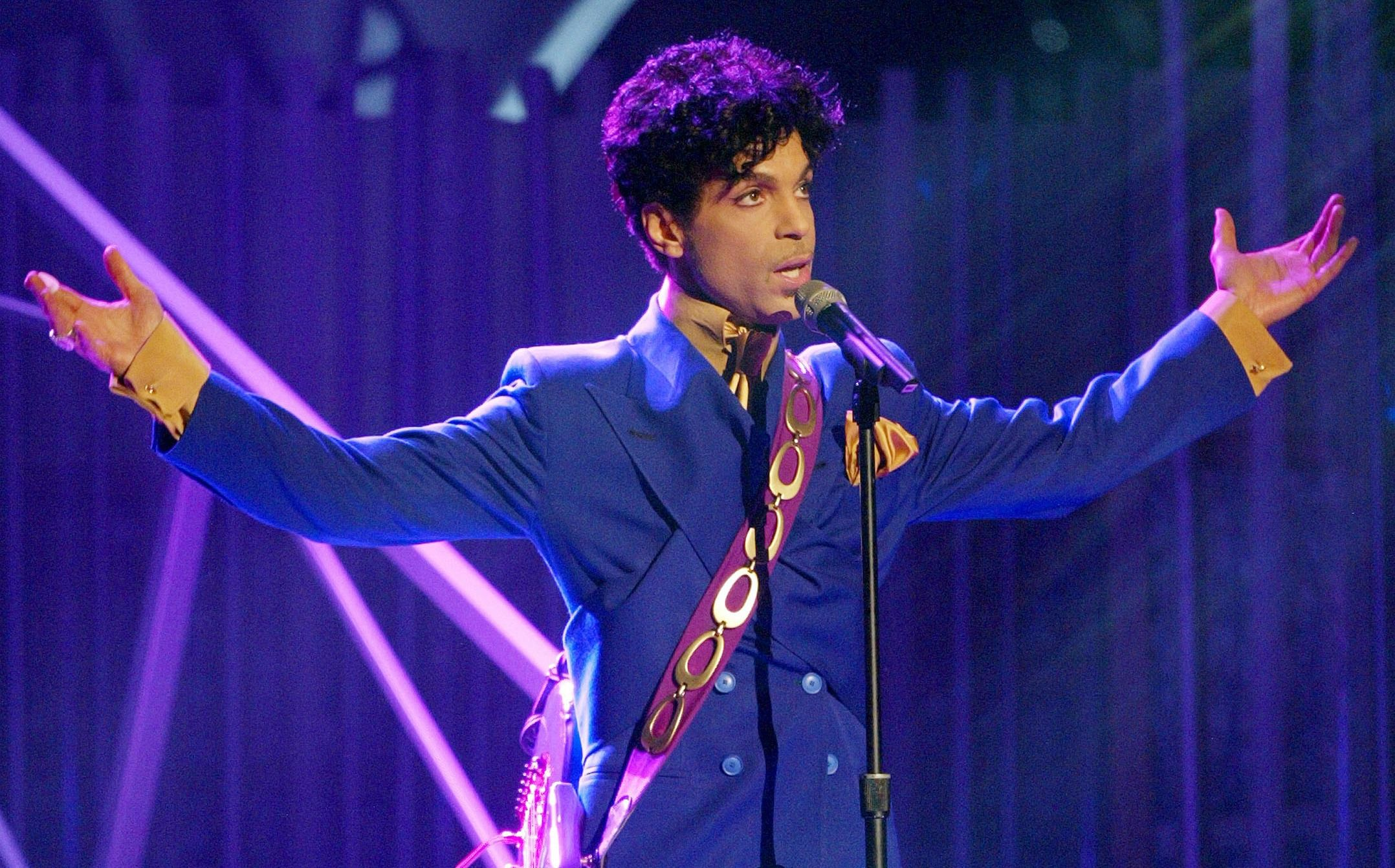 His Royal Purpleness: Prince at the 2009 Grammy awards.