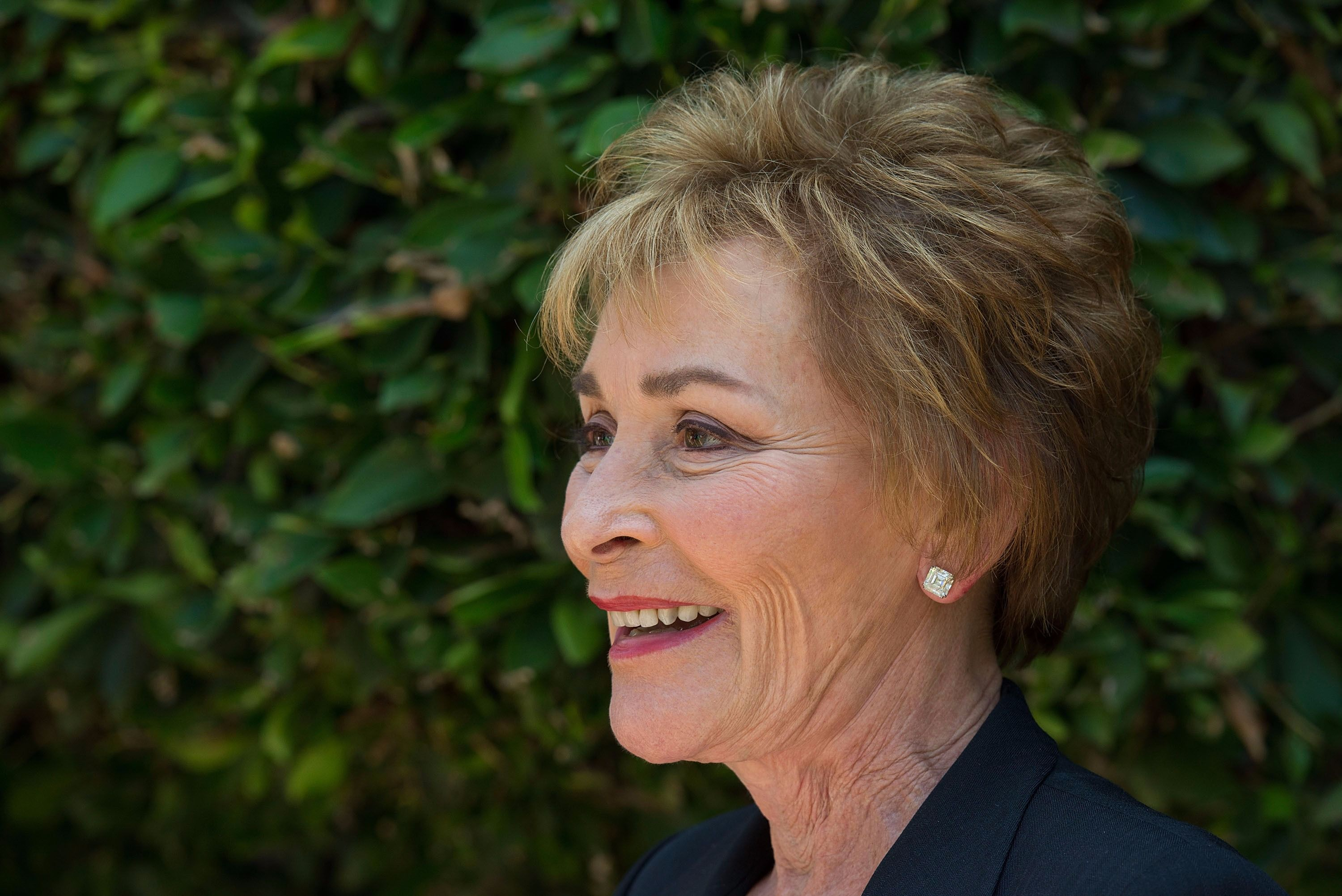 Judge Judy lets puppy make decision in the courtroom