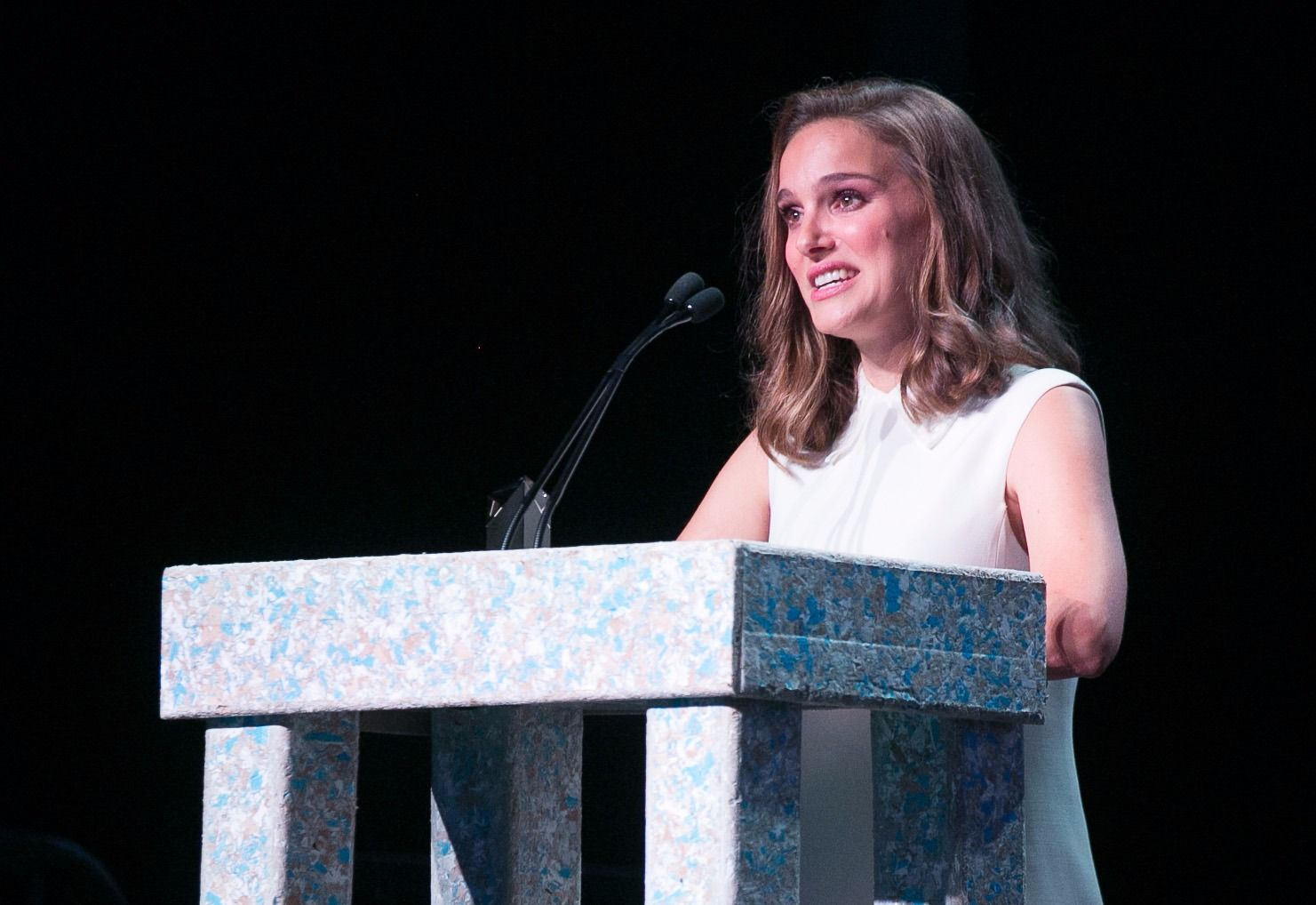 Natalie Portman speaks out: 'I have 100 stories' about sexual harassment