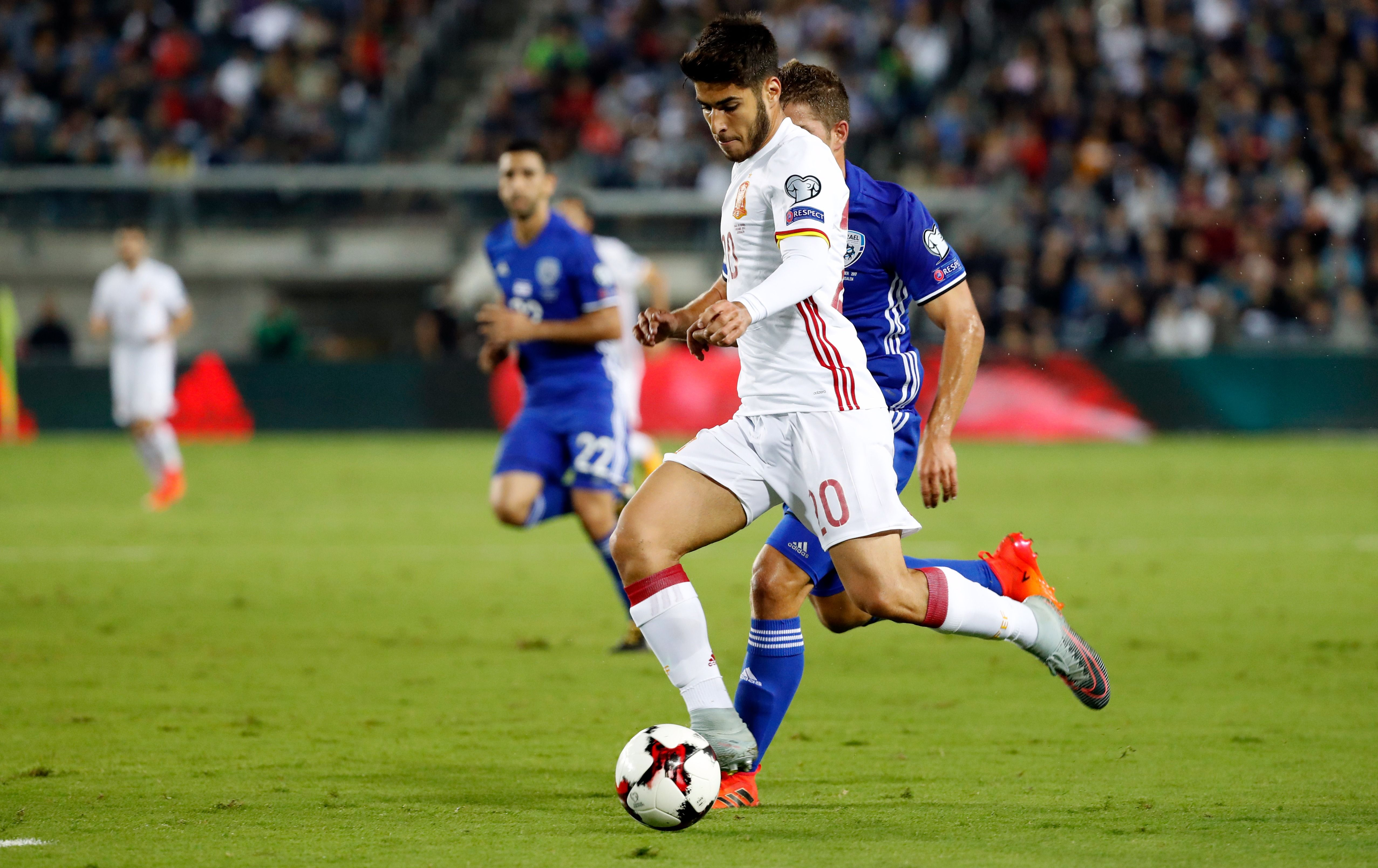Marco Asensio plays against Israel on October 9.