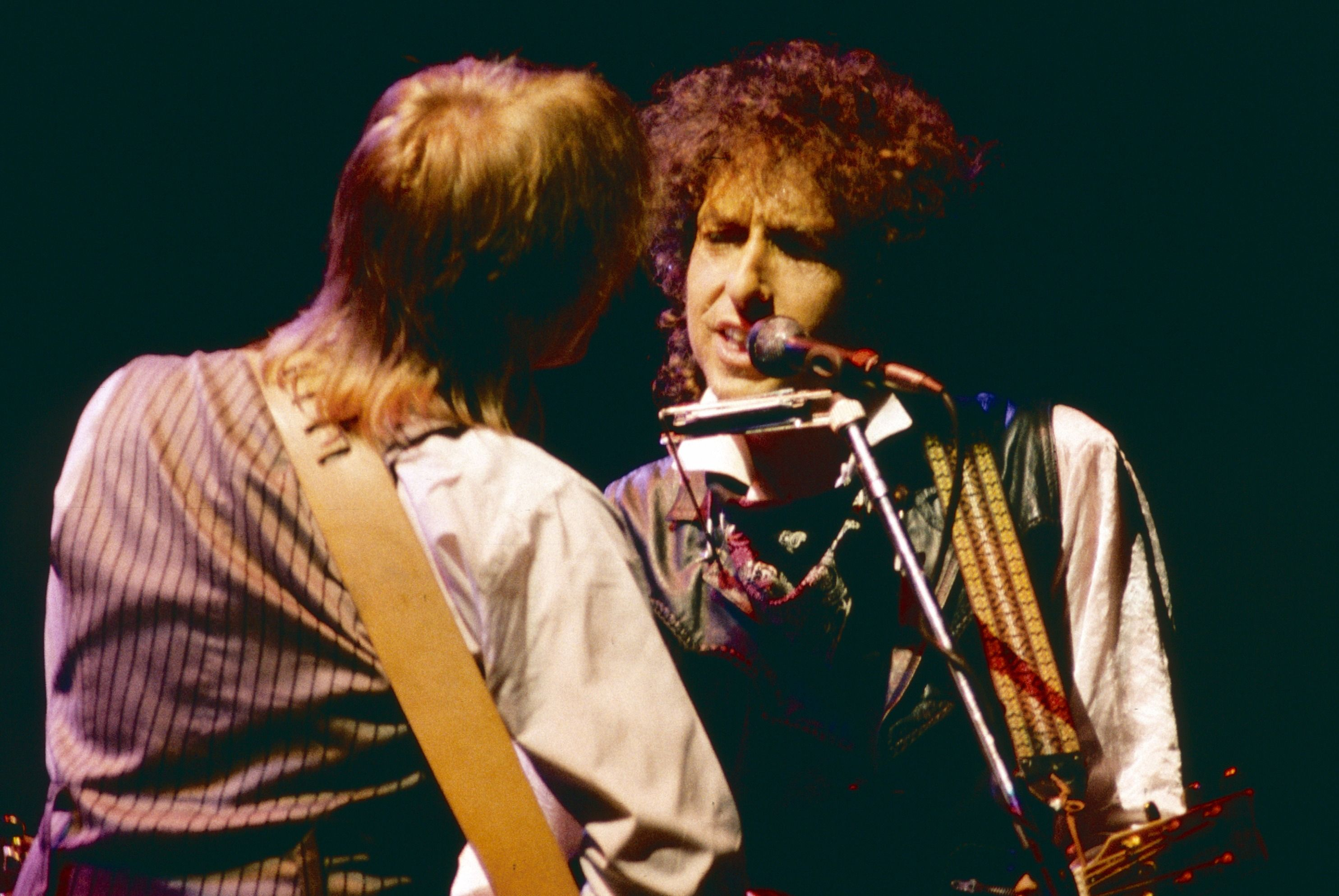 Petty and Dylan together in concert in 1986.