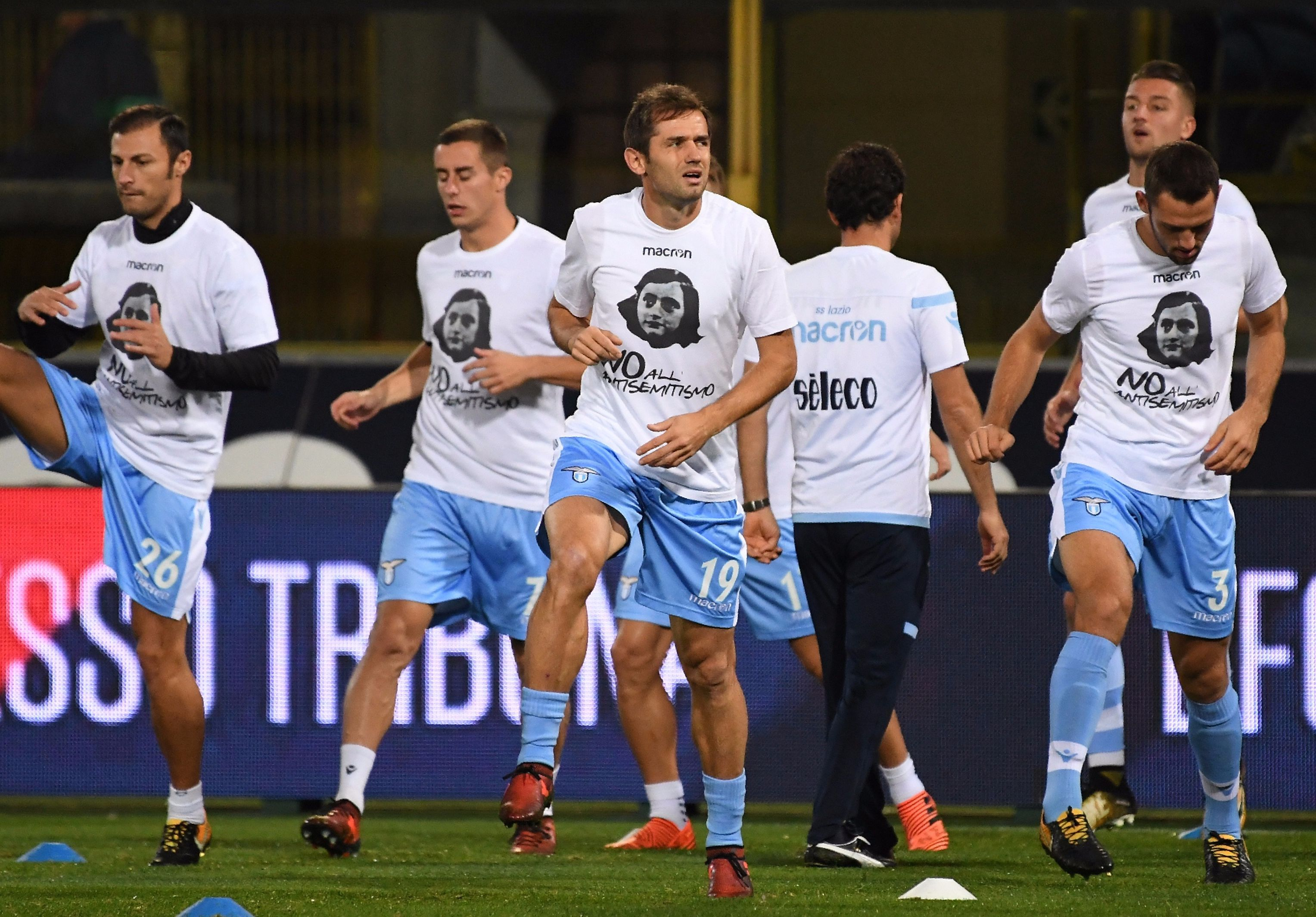 Police identify 20 Lazio fans who put up Anne Frank images