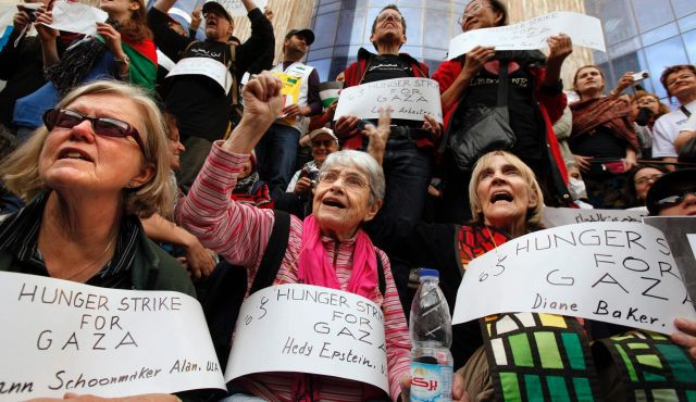 Lifelong Activist: Hedy Epstein protests in Cairo in 2009.