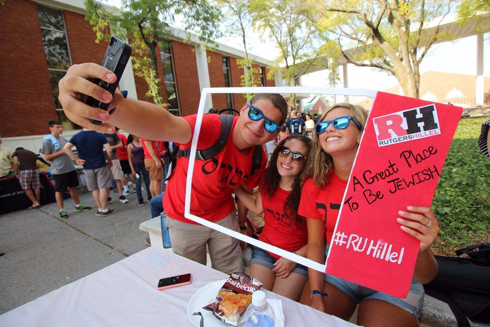 Jewish students from Rutgers Hillel take a selfie.