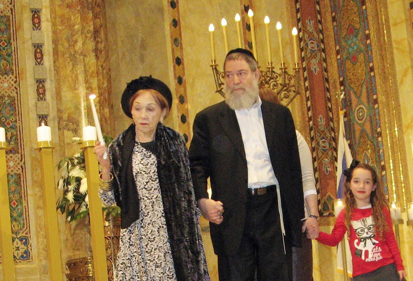 Dasha Renberg with only son Moshe and one of her 36 great grandchildren