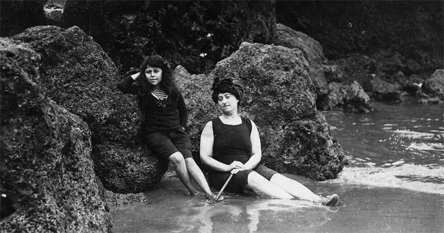 By the Waters of Biarritz: Nemirovsky (left) with her mother, Fanny, in 1912 or 1913.