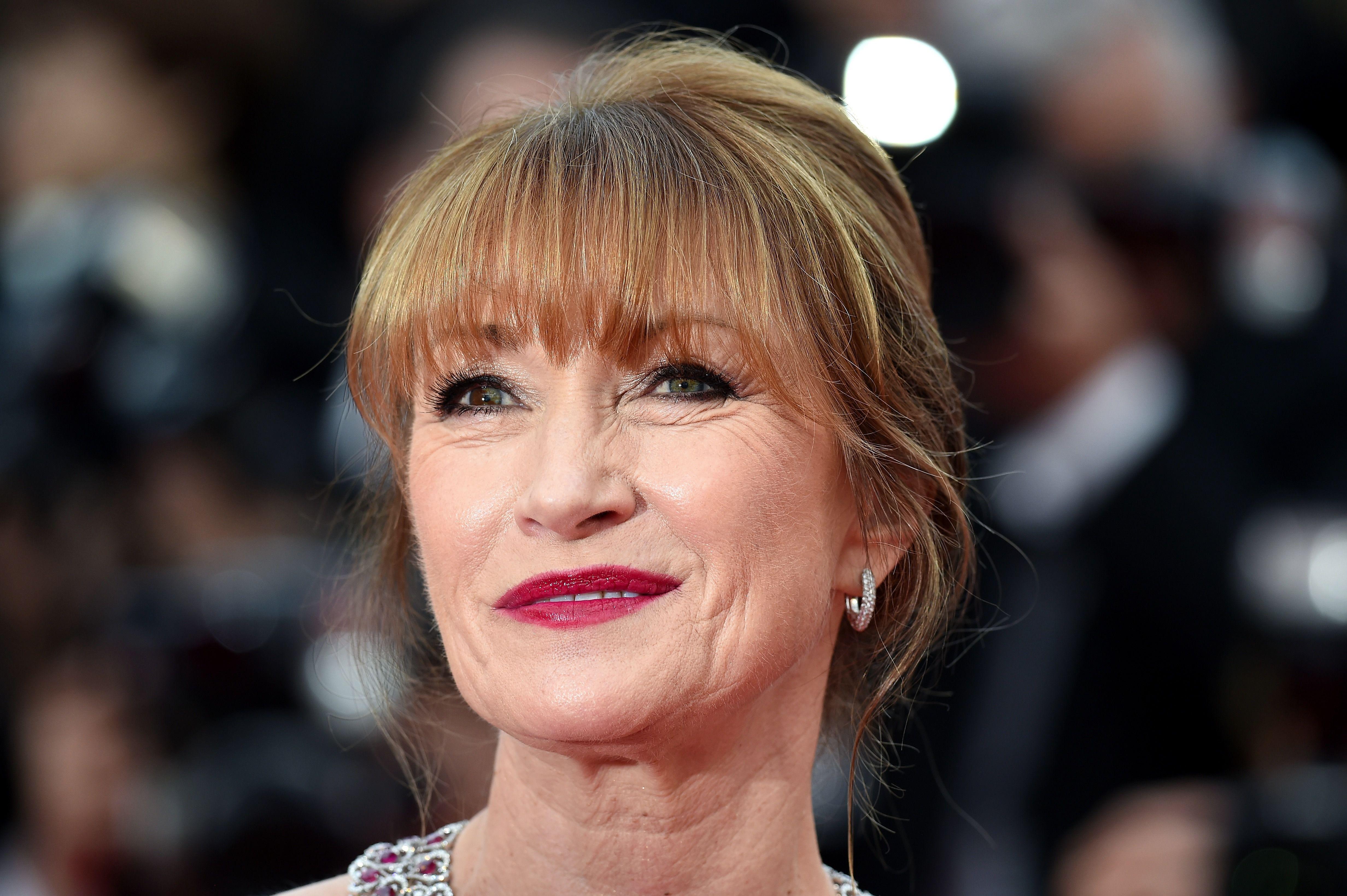 Shoah L 39 Ex Bond Girl Jane Seymour Face Au Pass De Sa