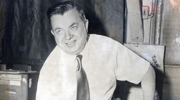 Knickerbocker: Max Kase, a sports editor of the NY Journal-American, received special Pulitzer Prize Citation for exposing bribery and corruption in basketball. Kase, a Bronx native, born to Jewish Austrian immigrant parents, was considered the inspiration behind the creation of the NY Knicks.