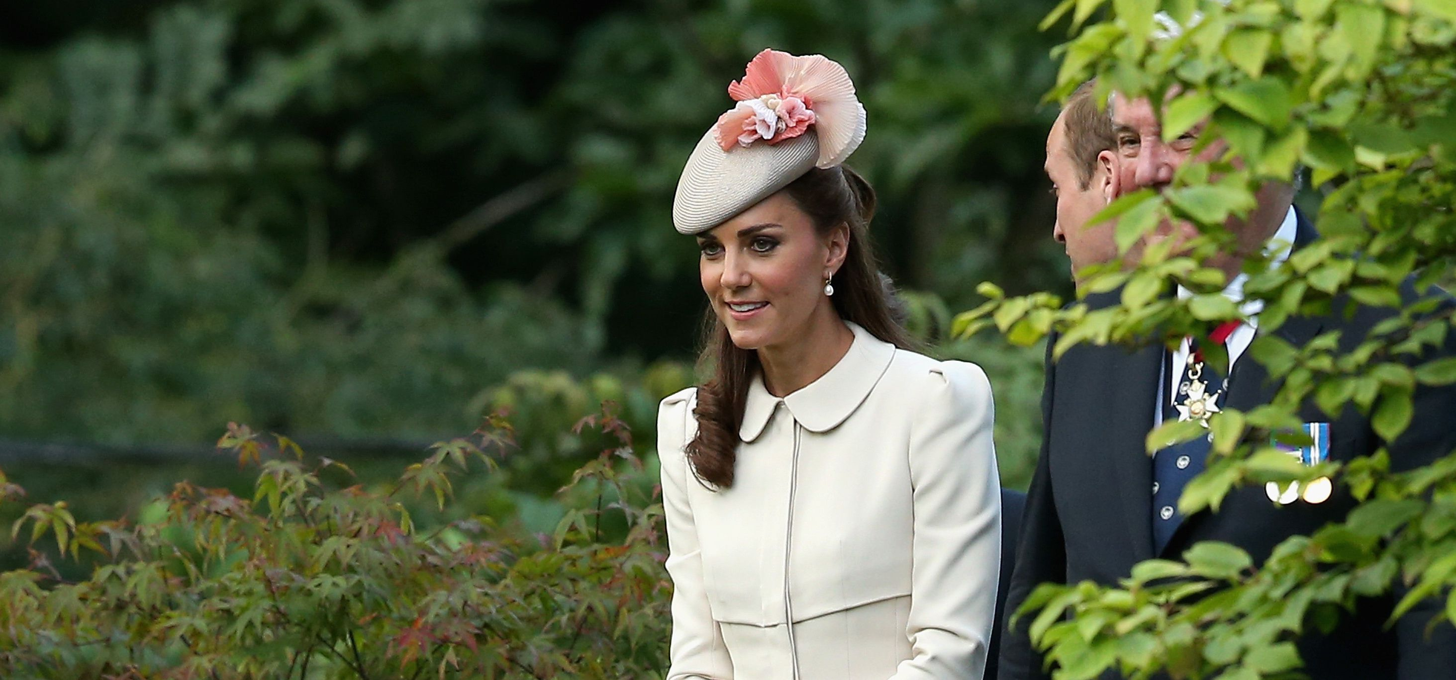 Kate Middleton Effect Brings Frum  Fascinator  Hats to Synagogue 8a7ed10b08a