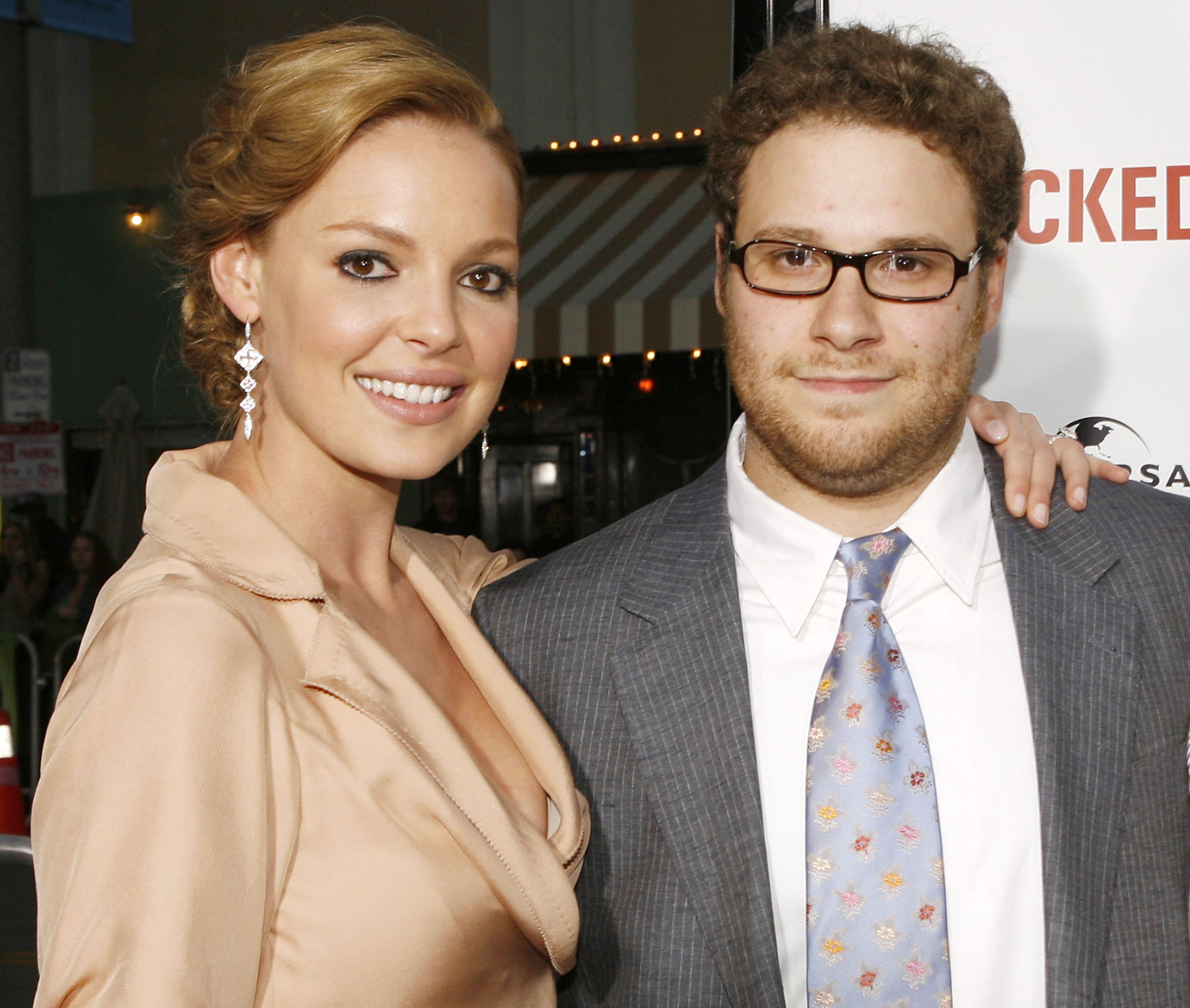 """Katherine Heigl and Seth Rogen at the premiere of """"Knocked Up"""" on May 21, 2007 in Los Angeles, California."""