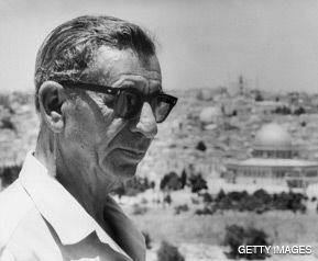 WISEGUY: Mike Burstyn stars in a one-man show about the Jewish gangster Meyer Lansky, shown above in a 1971 photograph taken in Israel.