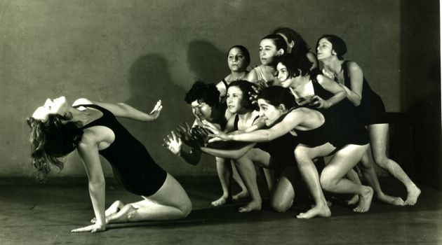 Dance Company: The Henry Street Settlement House, on Manhattan?s Lower East Side, provided dance classes to recent Jewish immigrants to help them Americanize.