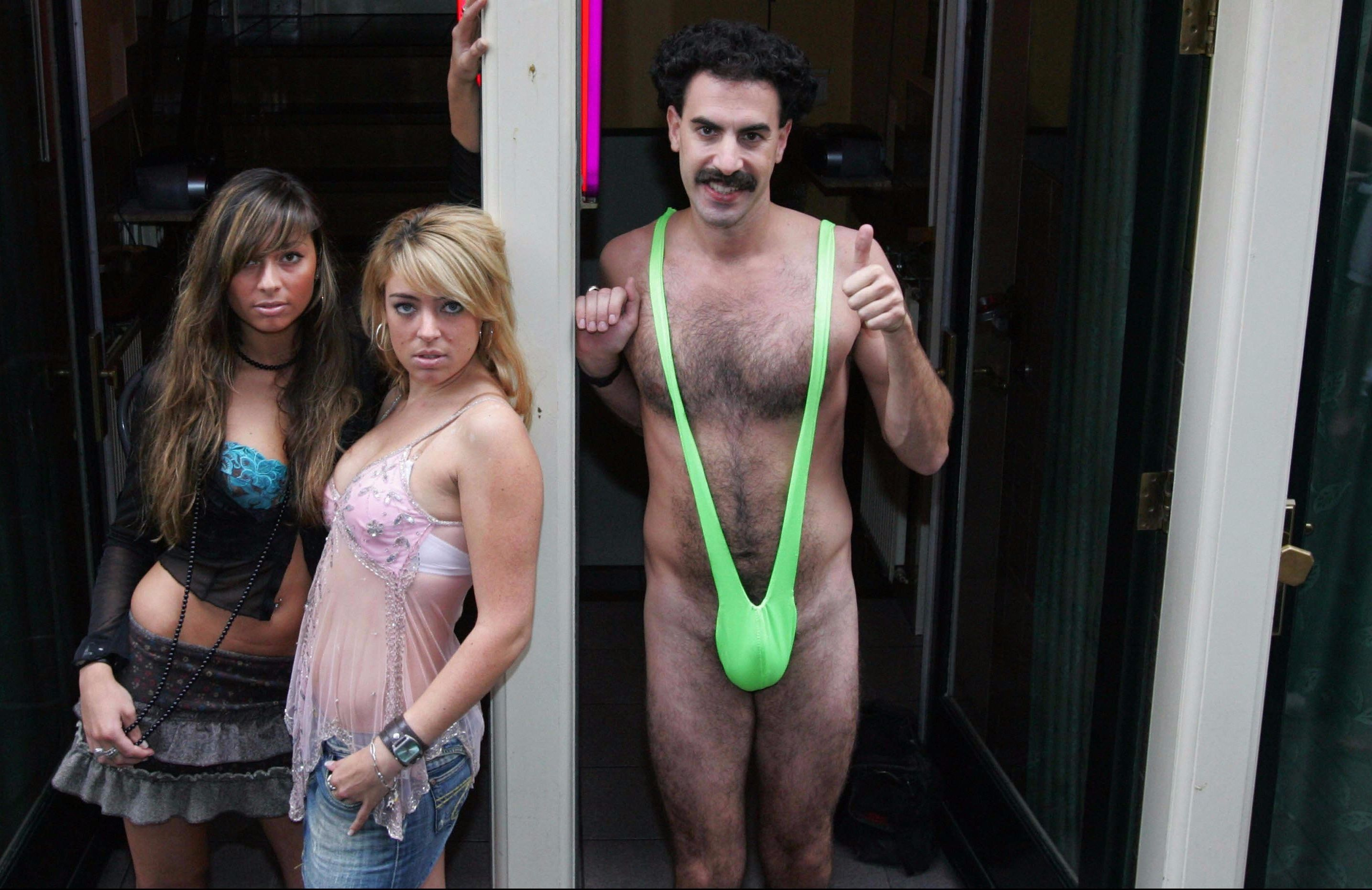 Sacha Baron Cohen offers to pay tourists' mankini fines
