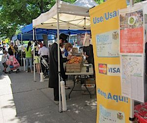 Masbia stops by the Boro Park farmers market this July to pick up a weekly donation of local produce.