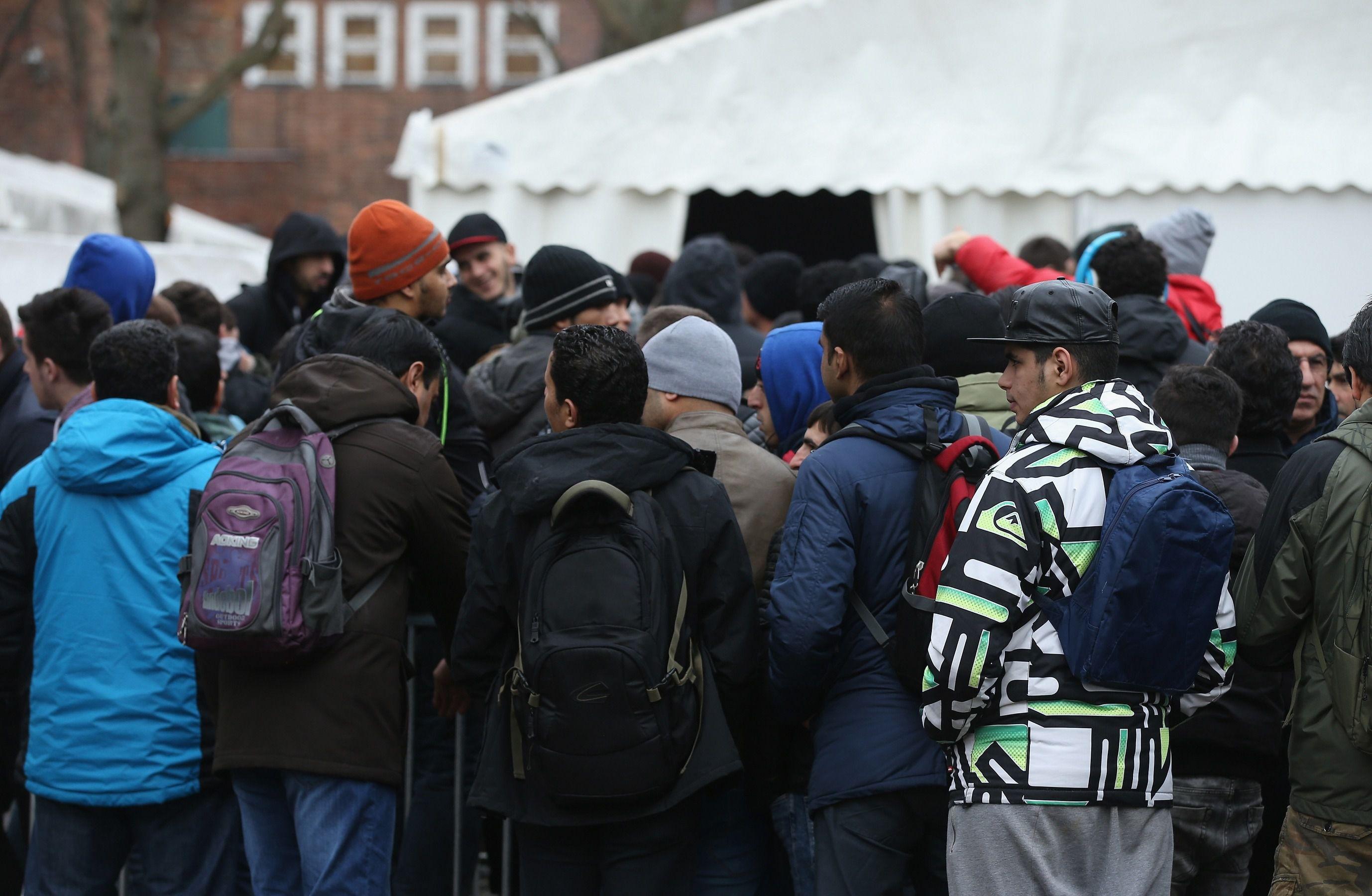 migrants berlin germany syrian refugees muslim refugees