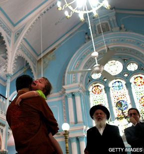 AN ORPHAN?S CRY: Two-year-old Moshe Holtzberg cries out 'Ima, Ima!' ('Mommy, Mommy!') at a memorial service in Mumbai?s Keneseth Eliyahoo synagogue for his murdered parents, Gavriel and Rivka Holtzberg.