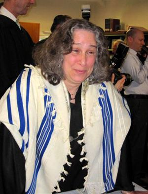Now What?: Rabbi Molly Karp found ?very, very few pul- pit positions? available.