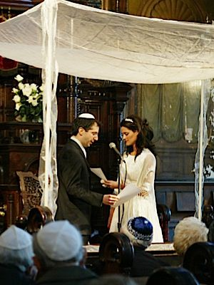 Under the Chuppah: A progressive, pro-marriage agenda can contain a mix of government support and social nudging.