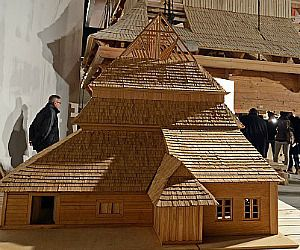A scale model depicts the wood-timbered roof of 300-year-old Polish synagogue.