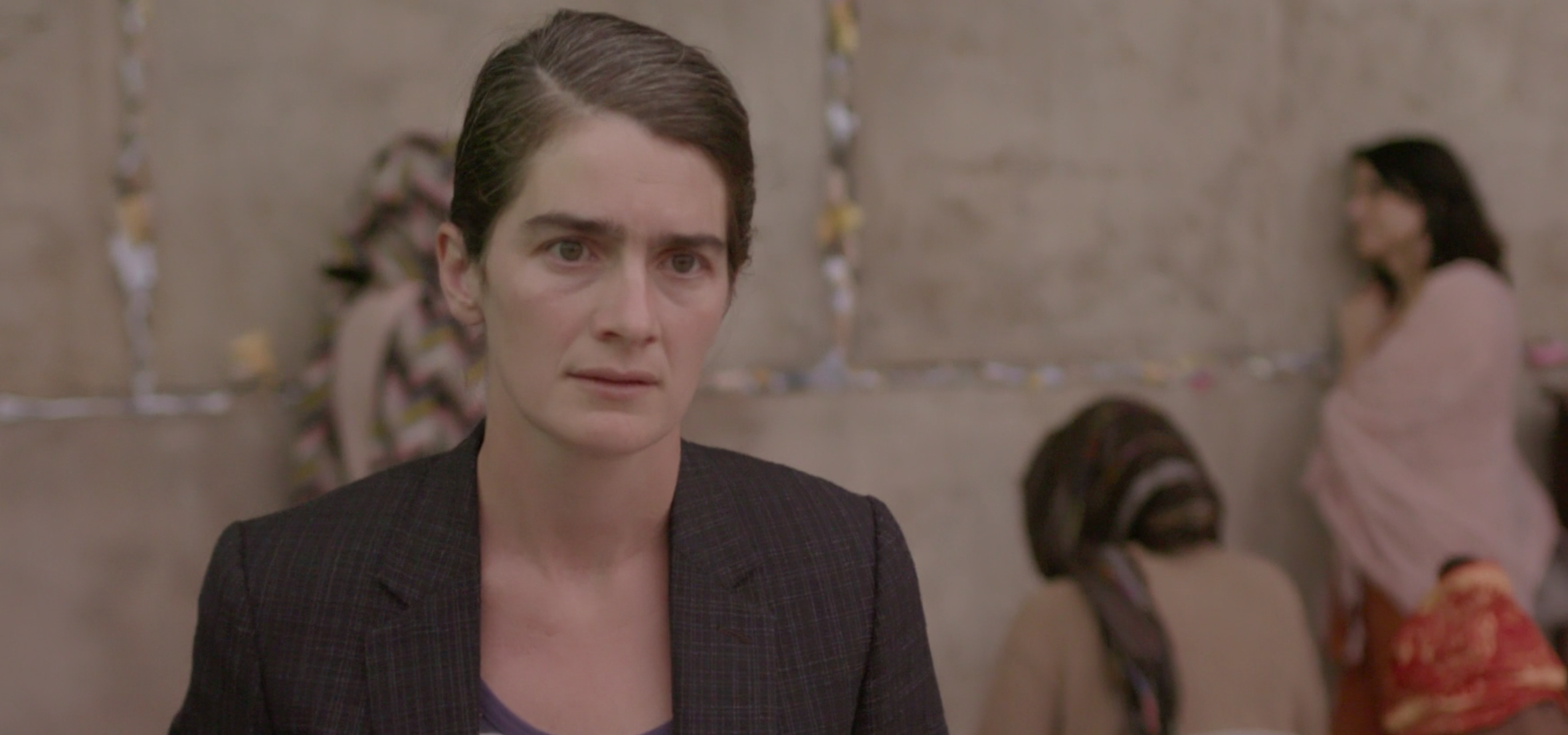 "Season 4 of ""Transparent"" is about walls and divisions"