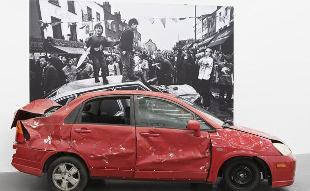 Anti-Automobilism: Metzger regards the use of cars as a contemporary disaster.
