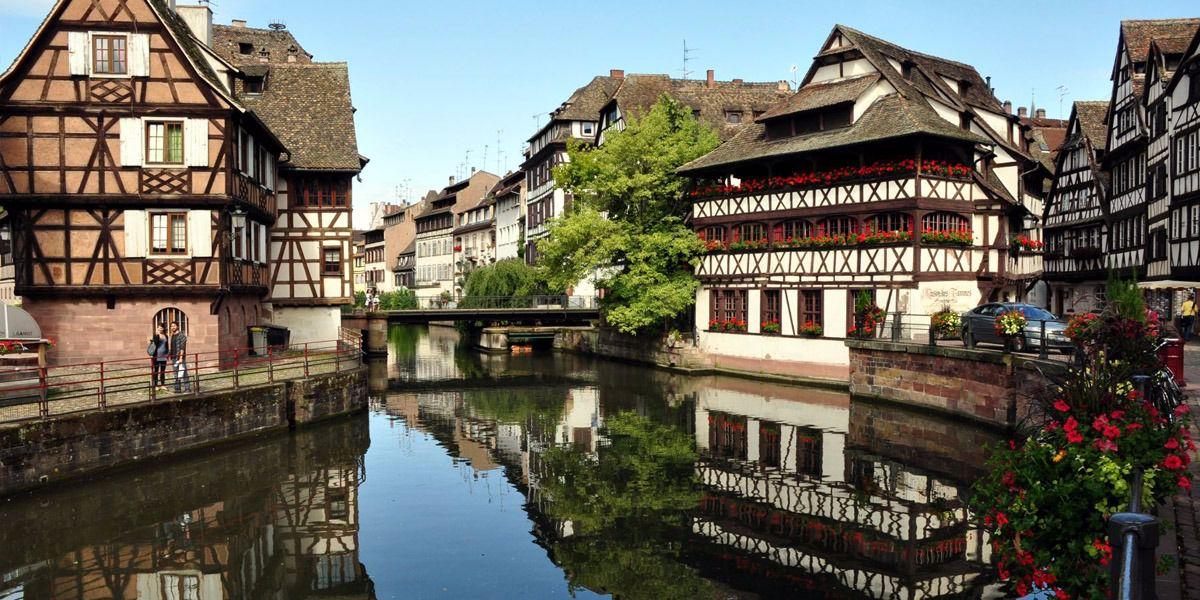 Rabbi stabbed outside Strasbourg restaurant in France