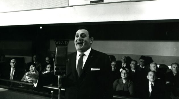 1960s: Richard Tucker, the acclaimed Metropolitan Opera star and cantor, regales an audience of Yiddish fans at WEVD, the Forverts?s radio studio in New York City.