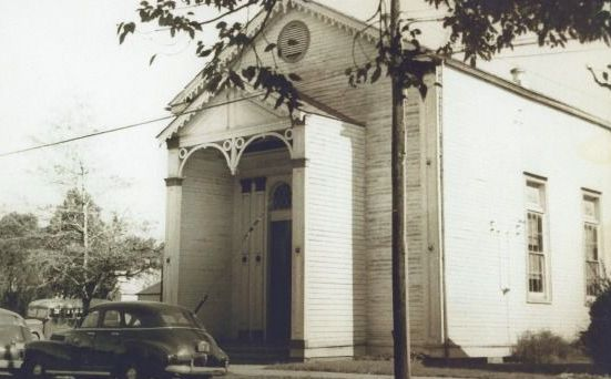 Original : Bikur Cholim in Donaldsonville, La., was once the only shul on the Mississippi River between New Orleans and Baton Rouge. The synagogue closed six decades ago and the last Jew in town died in 2004.