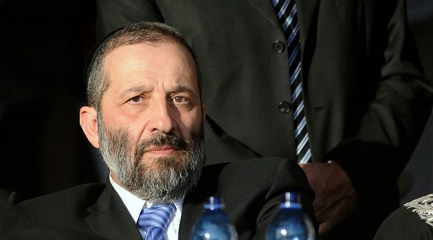 Return to Throne: Arye Deri, a shrewd political operator, has a plan to get the Sephardic Shas Party back from the political wilderness: he?s pushing the party to the left.