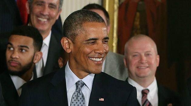Barack Obama, who met with the NBA champion San Antonio Spurs, spoke with Israeli Prime Minister Benjamin Netanyahu.