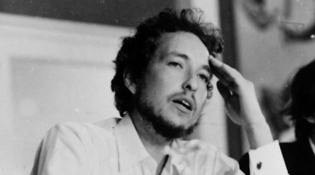 An Empty Bob Dylan Biography – The Forward