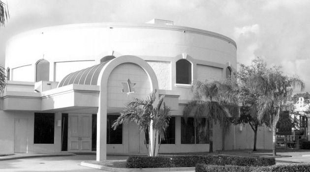 Shul Crisis : The Boca Raton Synagogue, where Richard Andron was a member for years, sent emails to members seeking to reassure them that the accusations against him focused on his activities at Yeshiva U. high school decades ago.