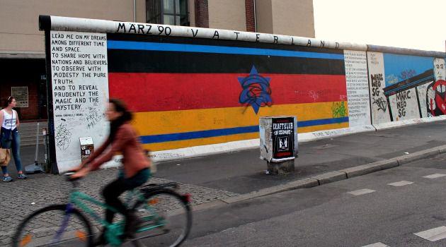 Israel-Germany street art on the Berlin Wall.