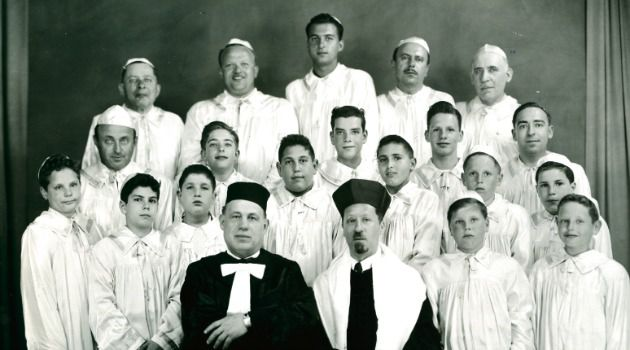 Immigrant Idol: Cantors like Moshe Preis (front row, second from left) were treated like celebrities in the Forverts. Preis was ?discovered? in Poland, where he would sing in the courtyards of apartments and people would throw down coins. He served as a cantor in Budapest, and later in New York and Vancouver.