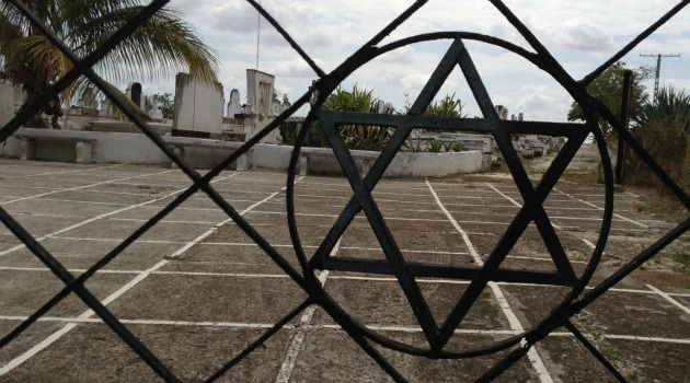 Occult Doings: Many of Cuba?s Jewish cemeteries have been deteriorating for decades. But some blame a new round of grave-robberies on occult rituals that require the bones of non-Christians.