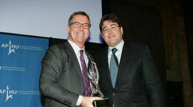 New Man: Eric Goldstein, right, receives award from American Friends of Hebrew University. The lawyer has been picked to lead the New York UJA-Federation.