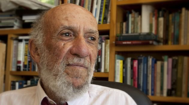 Richard Falk has called for an international probe into the death of a Palestinian detainee in Israeli custody.