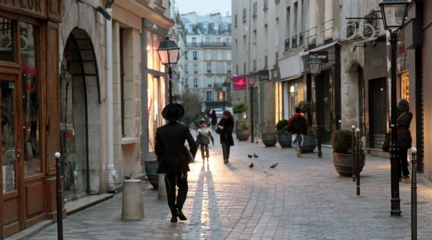 Plan To Leave: More French Jews are considering emigration ? but few choose Israel.