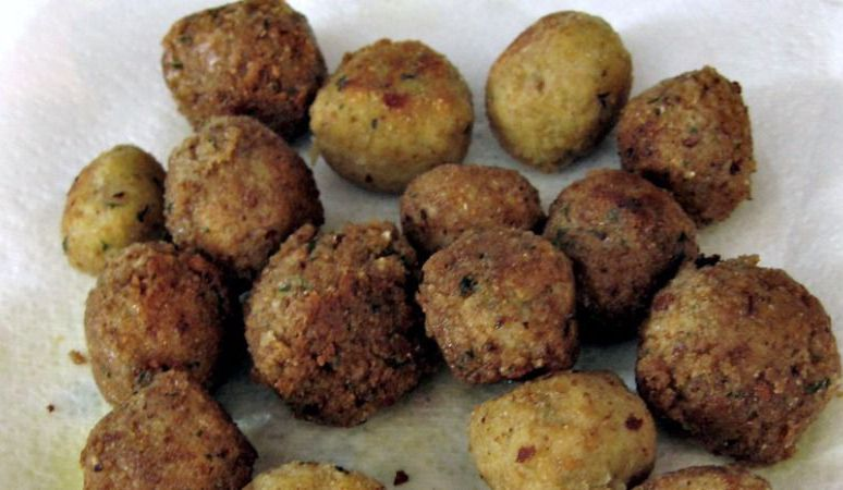Fried matzo balls are part of the menu at the fair's first kosher vendor.