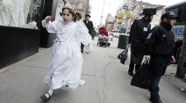 Younger, Poorer and More Orthodox: A new study says a lot about New York?s changing Jewish population. But there?s much it leaves out, too.