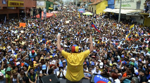 Henrique Capriles makes campaign speech. He?s drawing big crowds but polls say the annointed successor of strongman Hugo Chavez is ahead in the Venezuelan presidential race.