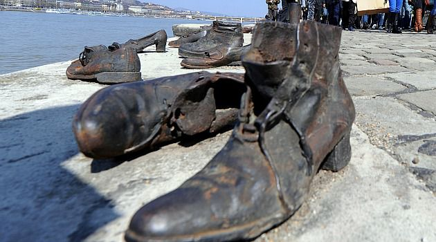Shoah Shoes: The riverside memorial in Budapest is a focal point of ceremonies marking Hungary?s Holocast rememberance.