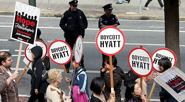 Hotel Debate: Reform Jewry wanted to speak out about the plight of Hyatt hotel workers. But it decided it could not break existing contracts with the company.